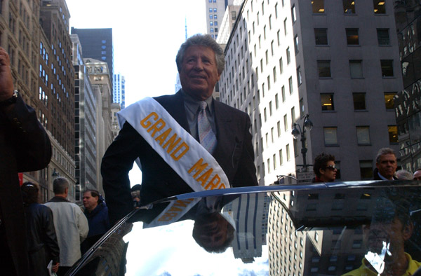 2004-10-11_Columbus_Day_Parade_Smith_018.jpg