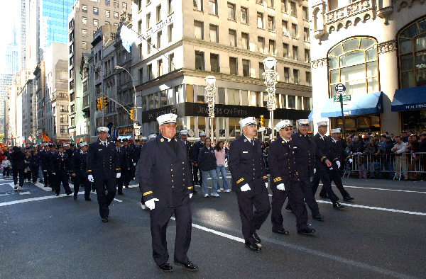 2004-10-11_Columbus_Day_Parade_Smith_075.jpg