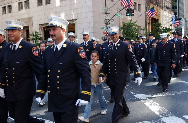 2004-10-11_Columbus_Day_Parade_Smith_109.jpg