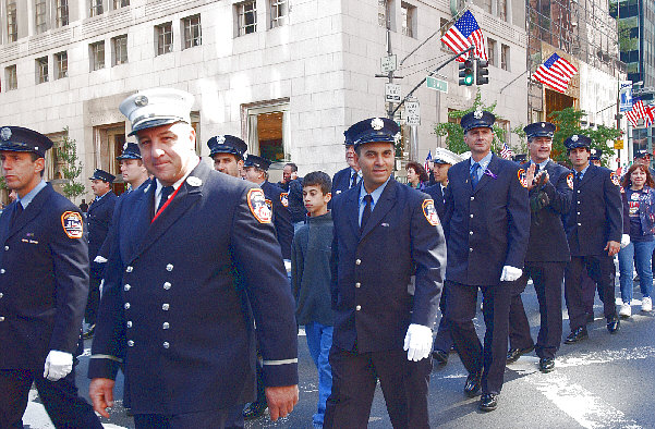 2004-10-11_Columbus_Day_Parade_Smith_110.jpg