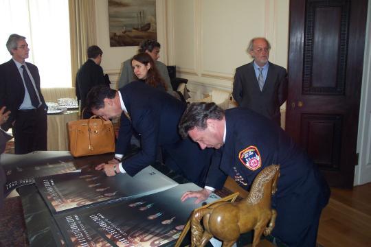 chief_nigro_pres_tummino_signing.jpg